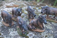 NA0629   FIGURINE  6 STATUETTE FAMILLE  SANGLIER MARCASSIN    CHASSE GIBIER