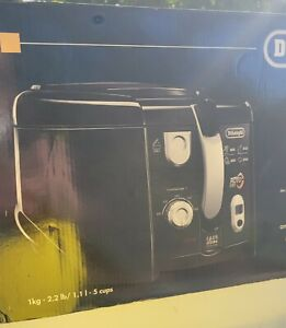 DELONGHI DEEP FRYER WITH ROTATING basket FRY with Minute Timer Function D28313