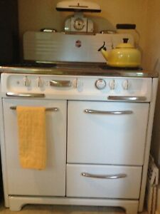 1952 Wedgewood Antique Stove Great Condition