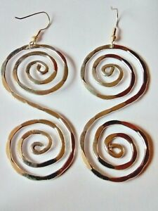 VINTAGE 90'sUNUSUAL LARGE SPIRAL 65mm.x 30mm SILVER TONE DROP EARRINGS £3.99 NWT