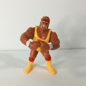 Hasbro WWF HULK HOGAN Retro Figure Card WWE NO HOLDS BARRED