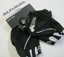 Équipements noirs Altura pour cycliste