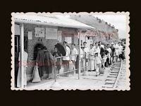 Lo Wu Trains Station Ticket Booth Young Girl Hong Kong Photograph 香港旧照片 #3134