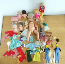 More details for job lot vintage dolls barbie clothes accessories 60s/70s ski suit wigs + others