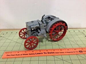 Die cast 1/16 Case Crossmount engine tractor, as-is, FREE shipping