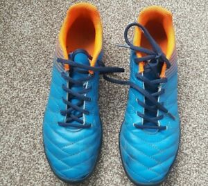 Used Turquoise and Orange Kids Football Shoes – Size 4 Junior