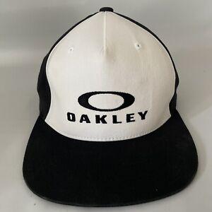 Oakley 110 FlexFit Tech White Black Snapback Hat Cap