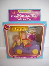 DRINK & WET BABY LOVEE DOLL 1982 ABBIE & SUE IN MUSICAL CAR & MUSICAL CHIMES NOS