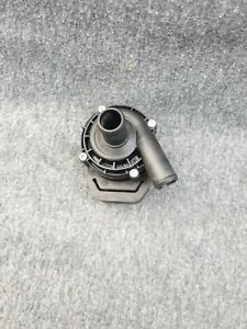 Mercedes W205 Water Pump Auxiliary Collant Pump Additional A2118350028