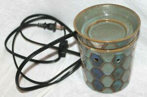 Scentsy Wax Warmer ~ Tunis ~ Mid-Size ~ Blue ~ Tiles & Geometric Pattern ~ EUC