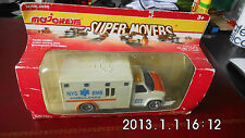 Majorette Super Movers - ambulance