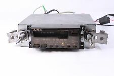 ALPINE 7124, car AM/FM stereo radio with cassette player (ref 841)