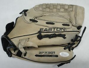 Eric Gagne Hand Signed Autograph Signed Baseball Glove JSA Sticker only W834455