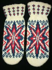 girls Christmas Mittens green red Snowflakes one size fits most Gloves 9.5 Inch