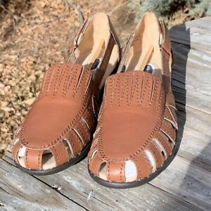 NEW Dr. Scholl's Closed-Toe Light Brown Leather Sandals Size 8 Retail $75