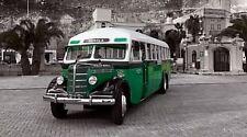 """Wandbild """"Historischer Bus in Malta"""" auf Acrylglas"""