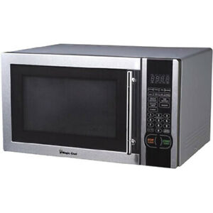 NEW Magic Chef MCM1110ST Microwave Oven 1.1 Stainless