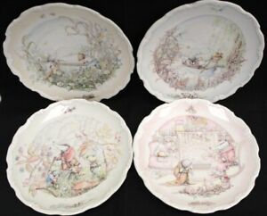 Set of 4 ROYAL DOULTON WIND IN THE WILLOWS Decorative Plates - M07