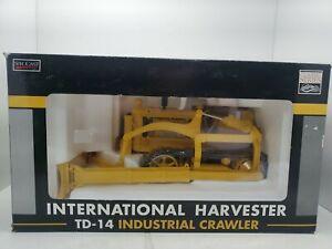 International TD-14 Industrial Crawler 1/16 NIB