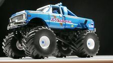 1972 Chevrolet K-10 Exterminator 1/64 SCALE DIORAMA DIECAST MODEL CAR REAL TIRES