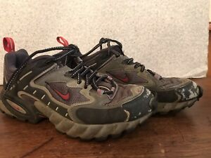 GRAY & RED NIKE AIR ACG SHOES•USA-MEN 10 040507 Low Top Cross Trainer Sneaker