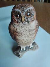 Goebel Eule Owl auf einem Ast sitzend ältere Eule