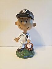 New York Yankees Franklin Peanuts Metlife Bobblehead Doll SGA 2016 5th In Series