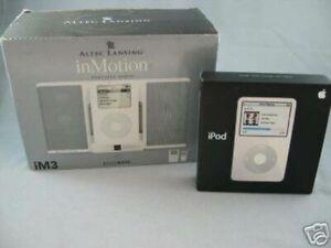 Apple iPod 30GB MP3 White Photo Video Player MA444LL