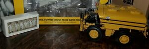 CAT Mega MWT30 Mining Truck Water Tank Norscot #55276 1/50 Scale & CAT Figures