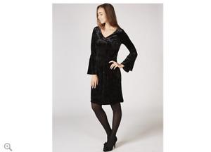 Ronni Nicole V Neck Bell Sleeve Velvet Swing Dress Black Size 12 BNWT