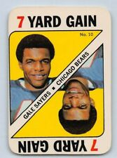 1971  GALE SAYERS - Topps Game Insert Football Card- # 10 - CHICAGO BEARS