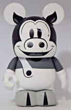 Disney Classic Collection Vinylmation ( Percy Pig ) Black & White