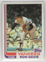 1982 Topps Baseball New York Yankees Team Set (42 cards)