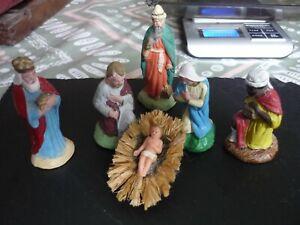 Lot de 6 santons de Noel en terre cuite.