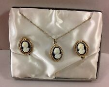 Vintage Cameo Set Jewelry Necklace Screw Back Clip On Earrings  Pendant White