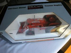 SpecCast  # CUST 1084  A-C  D-14  w/Utility Loader  World Pork EXPO 2011  1/16