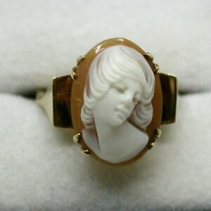 1940's Vintage Superb Style 9 carat Gold High Relief Carved Cameo Ring Size P