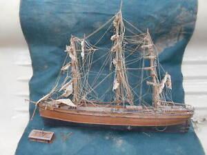 maquette de bateau en bois a restaurer, longueur 110cm