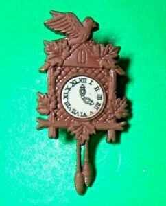 "(1) 1 1/2"" CUCKOO CLOCK BROWN PLASTIC SHANK REALISTIC NOVELTY CRAFT BUTTON(Q409)"