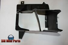BMW F10 F11 FRONT RIGHT ENGINE OIL COOLER AIR DUCT 51747200790