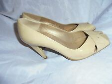 RUSSELL & BROMLEY WOMEN CREAM LEATHER SLIP ON SHOES SIZE UK 5 EU 38 US 8 W VGC