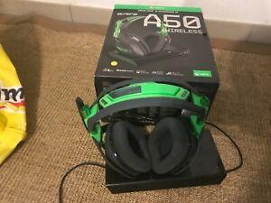 Astro A50 Wireless Gaming Headset - grün schwarz gebnraucht