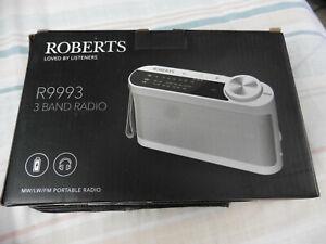 ROBERTS R9993 - 3 BAND PORTABLE RADIO - WHITE - BOXED