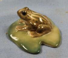 717115 Froschband 16cm aus Kunststein gefertigt handbemalte Details Stückpreis