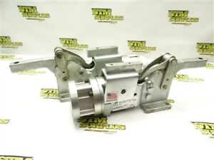 NEW! PAIR OF ALADCO PNEUMATIC TOGGLE CLAMPS 202A01P1+BK01