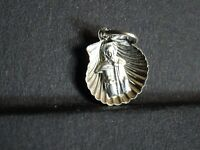medaille religieuse Joseph in Scallop Shell 1.2 x 1.4 cm  MR 0371