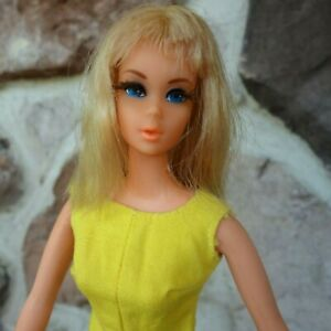 Vintage Blond Barbie  Doll w  Original Clothes Lot