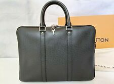 Louis Vuitton Taiga Ardoise Porte-Documents Voyage PM - M30638