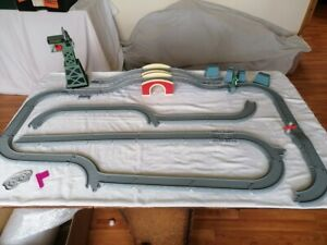 THOMAS THE TANK ENGINE TAKE ALONG BRIDGE TUNNEL TRACK PLUS LOADS OF TRACK CRANKE