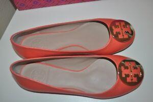 NIB Tory Burch Reva Poppy Coral Leather GOLD Logo Ballet Flat Shoe 9.5 Wide